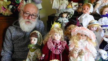 Haunted-Dolls-Barry