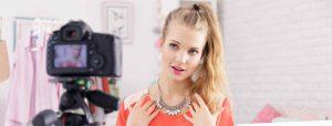 teenage-girl-social-influencer